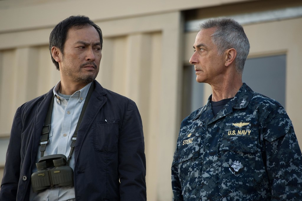 still-of-david-strathairn-and-ken-watanabe-in-godzilla-(2014)-large-picture